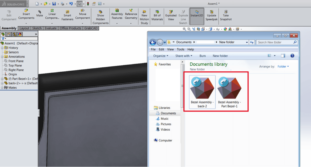 You have 2 separate STL files for the 2 bodies