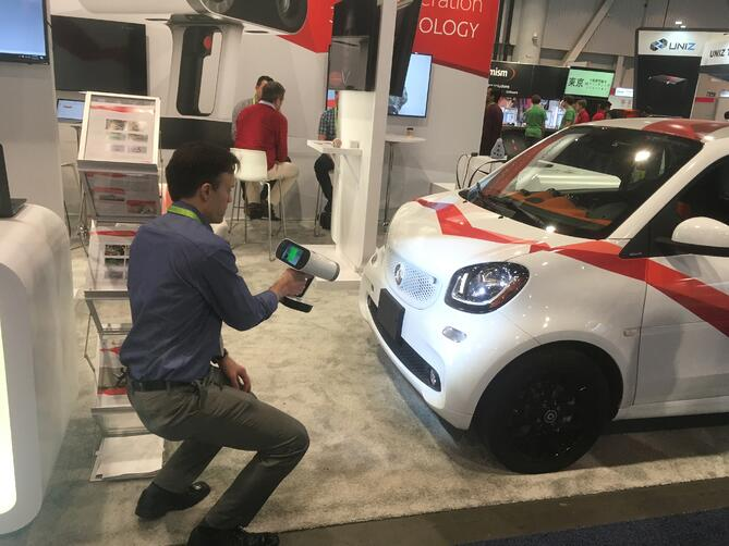 Kevin Billett Scans Smart Car with Artec Leo