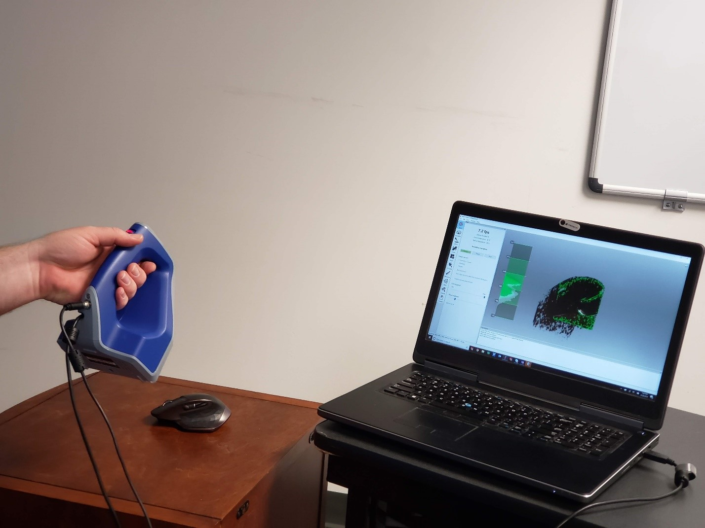 Using the Artec Space Spider to 3D scan a mouse